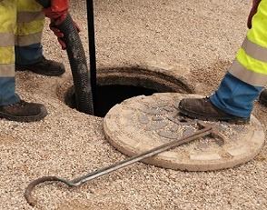 Limpeza de fossas - Desentupidora Curitiba